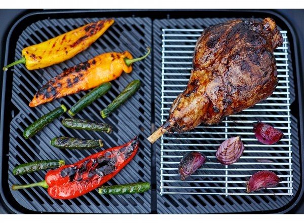 Everdure Force Barbecue Gas 30 mBar rood rooster